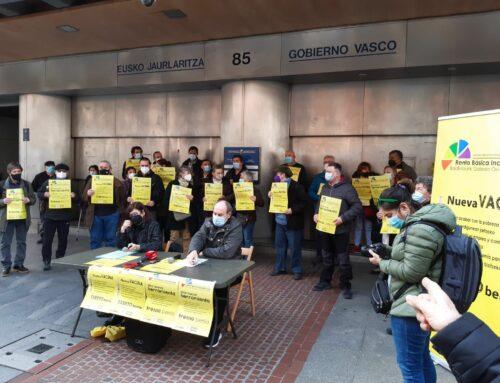 Presentación en Bilbao frente al Gobierno vasco de la ILP